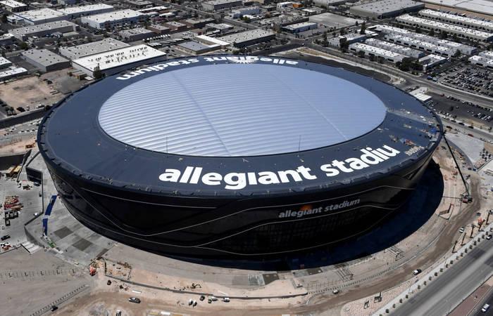 Allegiant Stadium - домашняя арена Лас-Вегас Рэйдерс