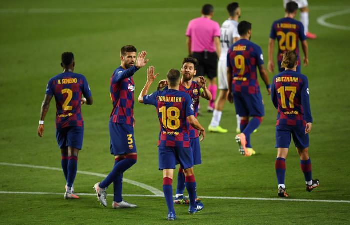 Барселона обыграла Наполи и вышла в четвертьфинал Лиги чемпионов
