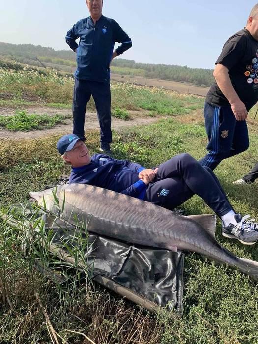 Алексей Михайличенко с пойманной рыбой