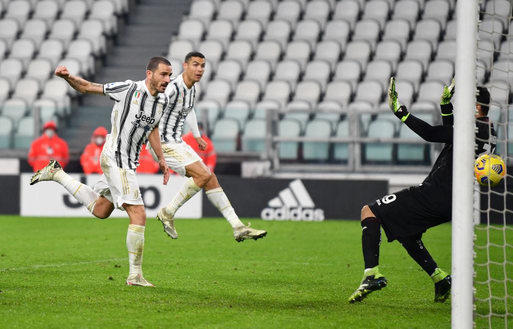 Ювентус в концовке матча вырвал победу у Торино