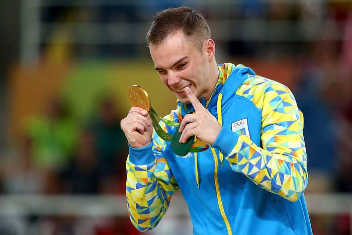Олег Верняев с золотом ОИ-2016