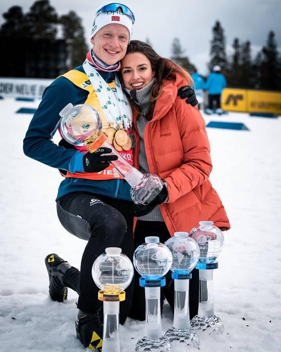 Йоханнес с супругой и трофеями за сезон-2018/19 / instagram.com/heddaehlibo/