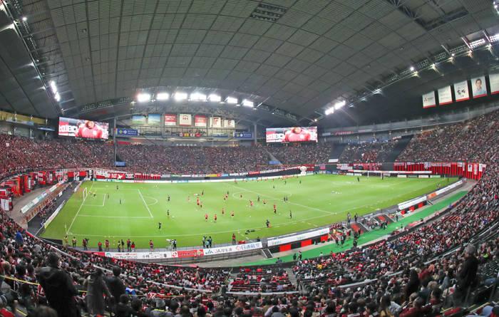 Футбольный матч на Саппоро Доум / sapporo-dome.co.jp