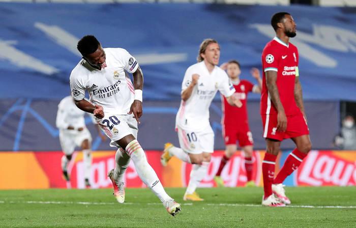 Винисиус Жуниор празднует гол в ворота Ливерпуля