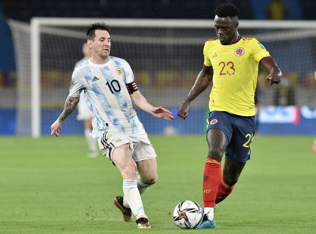 Отбор на ЧМ-2022: Аргентина упустила победу над Колумбией, Бразилия обыграла Парагвай