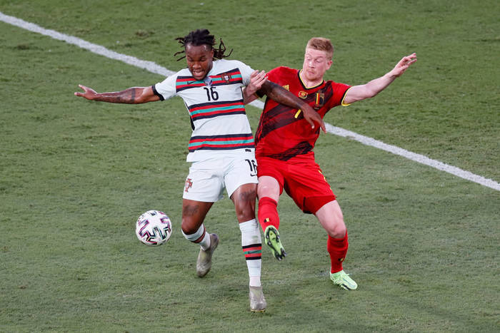 Кадр с матча Бельгия - Португалия
