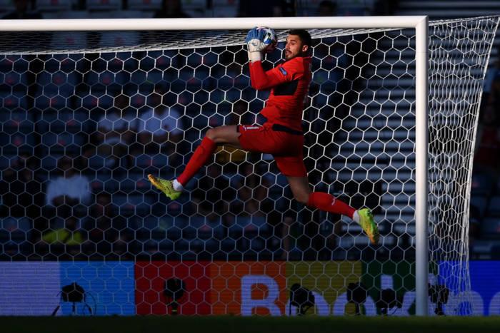 Георгий Бущан в матче против Швеции