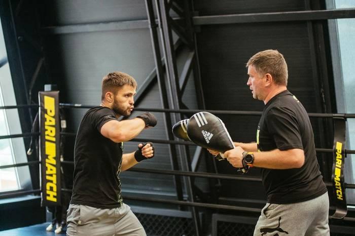 Дмитрий Митрофанов во время тренировки / Фото Марины Банделюк