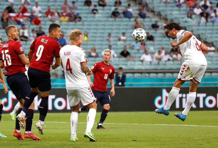 Дилейни забивает гол в ворота Чехии
