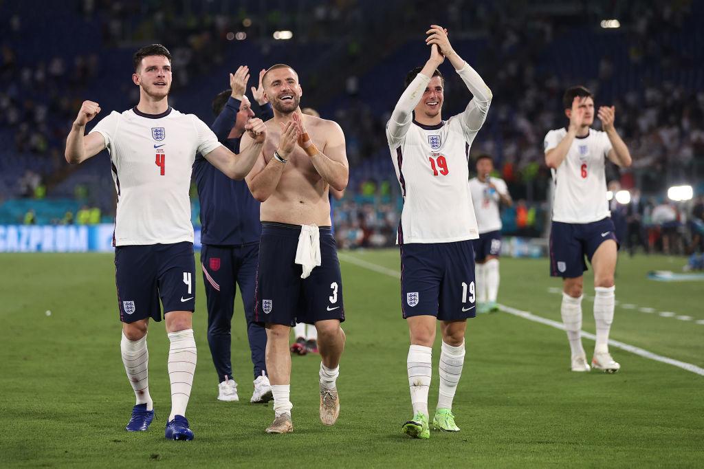 Белые начинают и выигрывают: команды в белой форме выиграли все матчи плей-офф Евро-2020