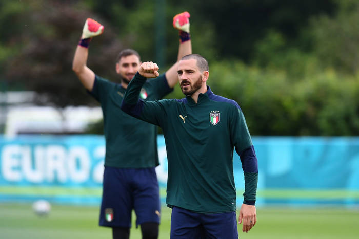 Игроки сборной Италии на тренировке