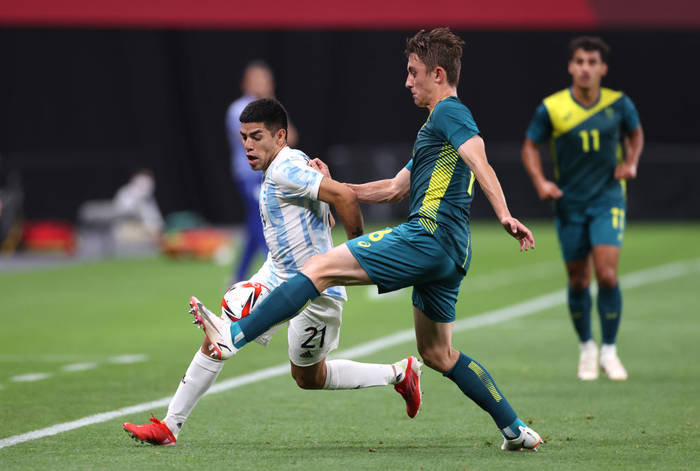 Аргентина и Австралия в матче первого игрового дня футбольного турнира ОИ-2020