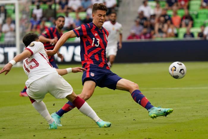 Кадр с матча Катар - США
