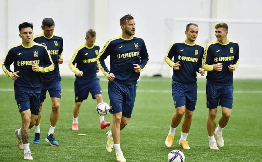 Сборная Украины огласила заявку на матч с Боснией и Герцеговиной